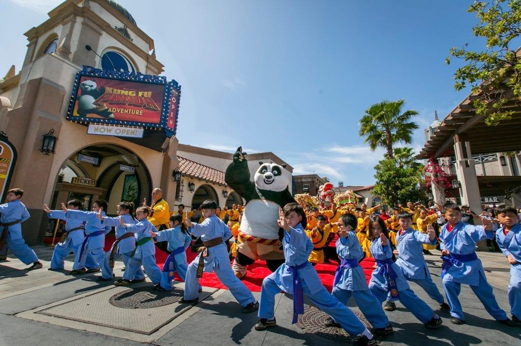 好莱坞环球影城隆重庆祝梦工厂剧院开幕