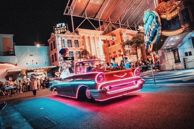 新加坡环球影城开启夜场模式 共邀游客享受夜间精彩