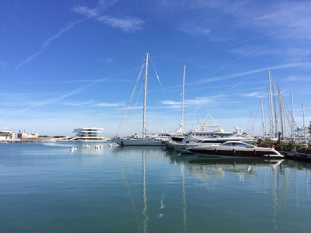 瓦伦西亚海港狂欢节即将开幕 吸引游客体验大规模游艇盛宴