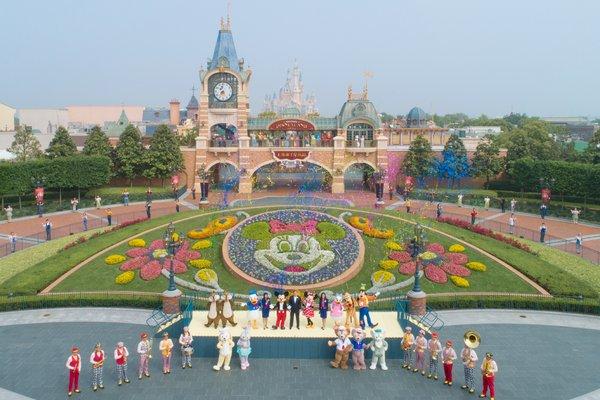 上海迪士尼乐园今日重新开放 实施系列新运营举措